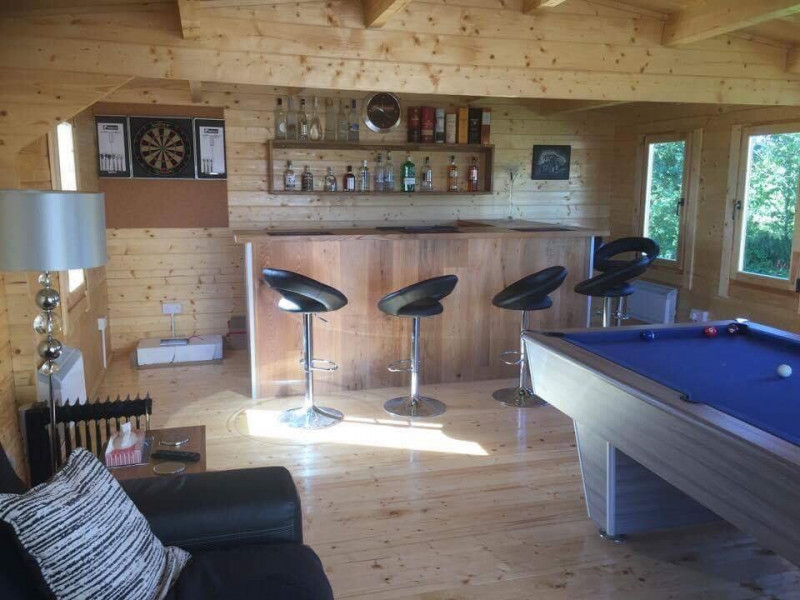 Example of installation featuring bar and pool / snooker table